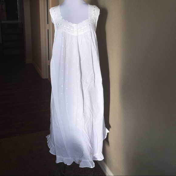 166f9d9461 VINTAGE Erika Taylor White Cotton Eyelet Nightgown