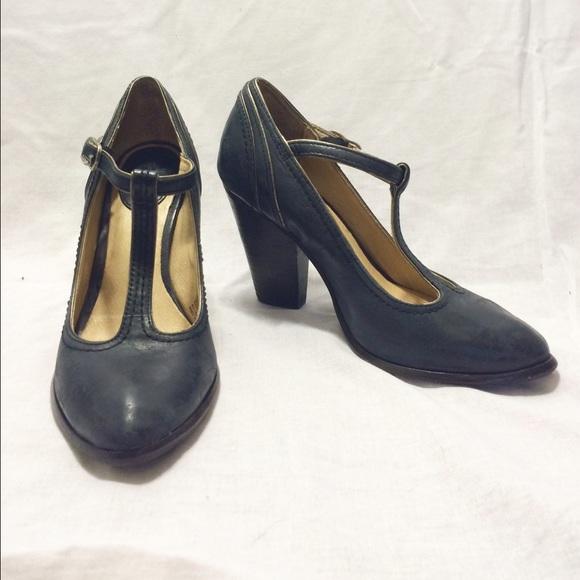4422fe19c2c1 Frye Shoes - FLASH SALE       Frye t strap heel