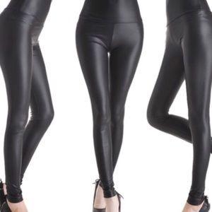 Faux leather legging matte black medium