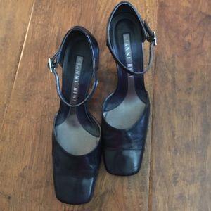 Gianni Bini Shoes - Navy Blue Heel 2.5 inch heel excellent condition