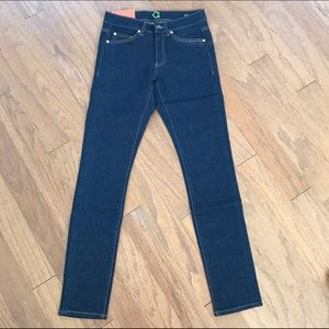 C.Wonder Jeans