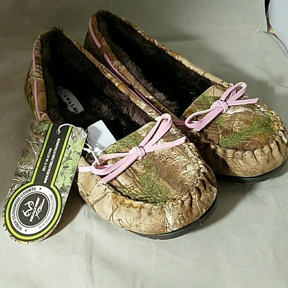 527d45b7d12e0 Airwalk Shoes | Sz 10 Ladies Nwt Camo Slippers | Poshmark