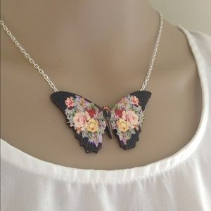 Abbie's Anchor Jewelry - Gorgeous floral butterfly necklace