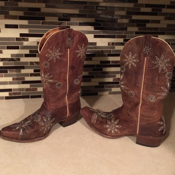 67be8347d Womens size 9 Shyanne 'Daisy Mae' cowboy boots. M_56fdc21713302a14c206a623