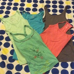 Old Navy Tops - 5 tanks 1 price. Old Navy and Guess. Size small