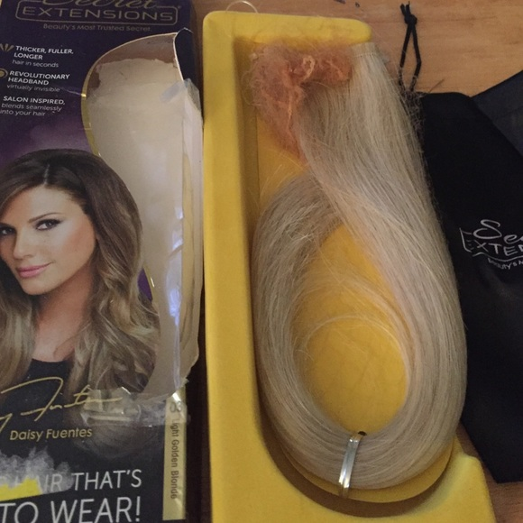 Daisy Fuentes Accessories Secret Extensions Light Golden Blonde