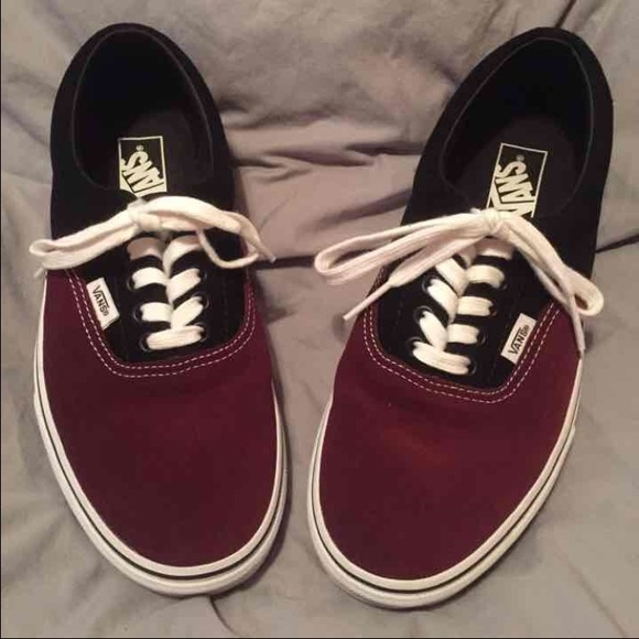 718e27dde980 FINAL DROP Maroon   Black Vans. M 56fdea905c12f8ebd4071546