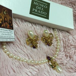 💰Museum del Prado Pearl Necklace & Earrings Set💰