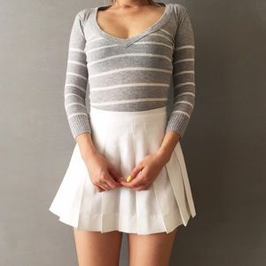 Ruehl No. 925 Sweaters - Ruehl preppy gray stripped sweater