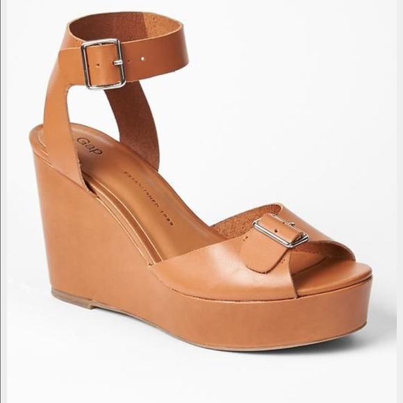 0b457e74b22 Sale! NWOT Gap buckle wedge sandal