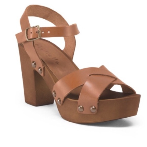4a5111d5b2784 Leather Wood sandals NWT