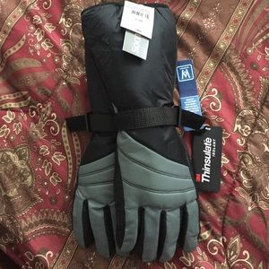 Thinsulate Other - Cute winter gloves, Blk and gray brand new.