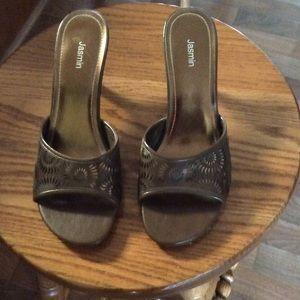 Copper/Brown color low heels