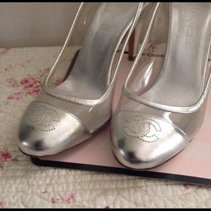  Authentic!  Chanel Silver leather heels