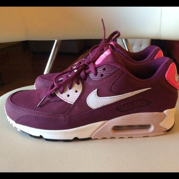 Nike Air Max Womens Sneakers Size 10