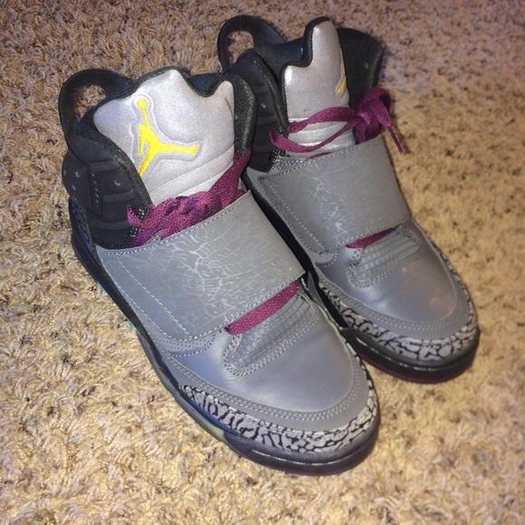 Jordan Shoes - Youth 6 Jordans with Velcro strap. Fit women s 8 6104543ae