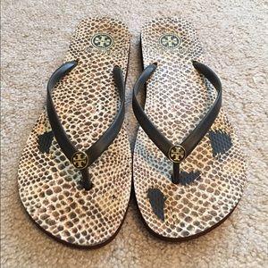 1c5237a4d52334 Tory Burch Shoes - Tory burch cheetah brown flip flops 10