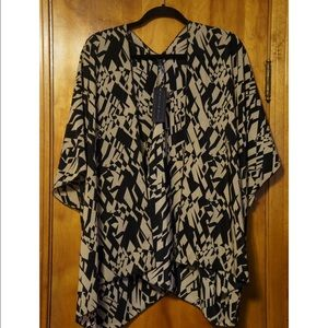 Ashley Blue Tops - Kimono Geometric Print