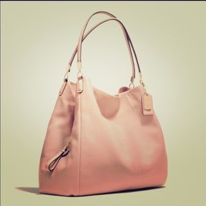 Coach Handbags - 🎉HP🎉Authentic Coach Phoebe Bag in Blush Color