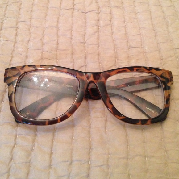 561ec59c914 Betsey Johnson Accessories - Betsy Johnson leopard reader glasses 1.50
