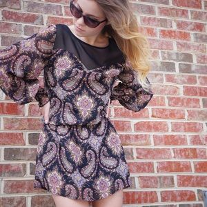 Dresses & Skirts - Boho chic dress bell sleeve