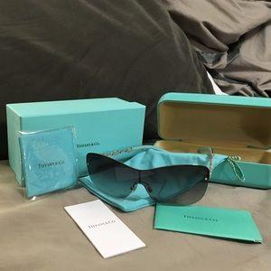 Tiffany & Co. Accessories - Tiffany Aviator Frames!