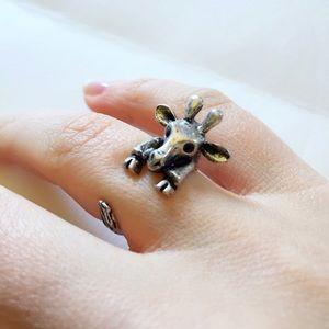 Jewelry - 💛Adorable wrap around giraffe ring 😍