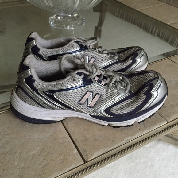 NEW BALANCE: Blue and Grey Sneakers 767 Stability Trainer Sz 9