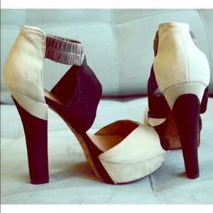 L.a.m.b Norwood heel sz 8