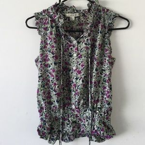 Urban Outfitters Tops - Green flowery top