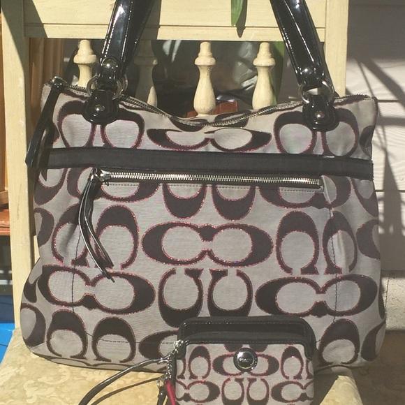 df8060a8afcb6 Coach Handbags - Coach Black   Moonlight Pink Poppy Purse   Wallet
