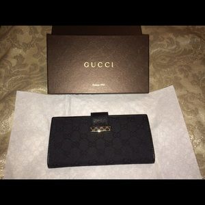 authentic 2010 Gucci wallet