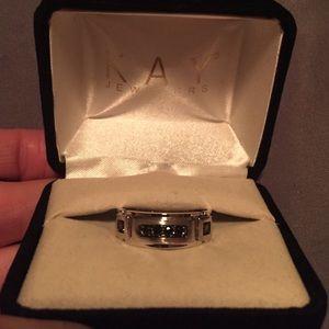Jewelry - Black diamonds band