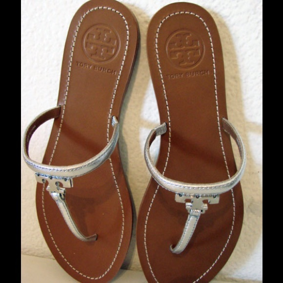 fc772f22056f New Tory Burch T logo Silver Leather Sandals 9