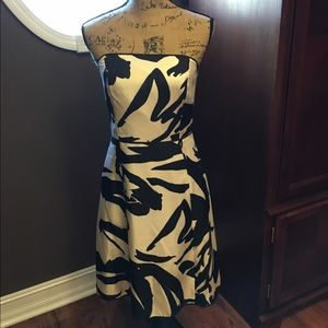 Ann Taylor Dresses & Skirts - Sleeveless Black & White ANN TAYLOR Party Dress