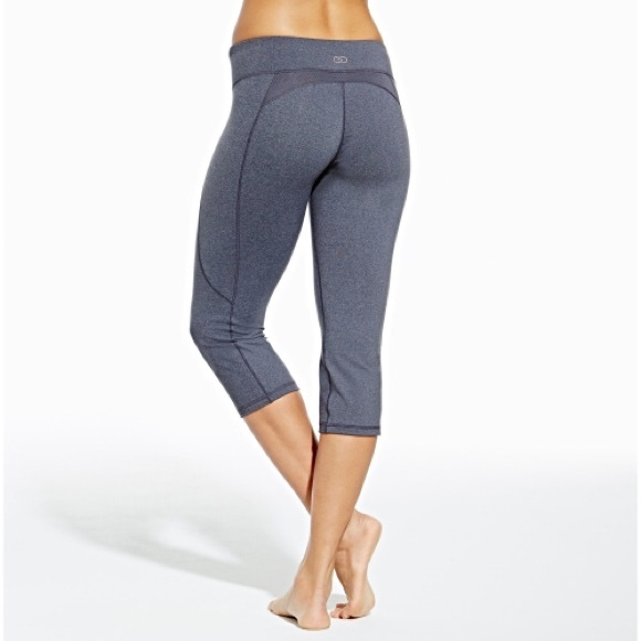 The ultimate destination for guaranteed authentic Lululemon leggings and tights at up to 70% off. New and preowned, with safe shipping and easy returns. Tradesy.
