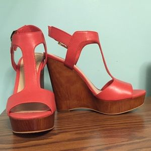 Vince Camuto coral heels