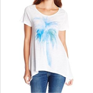 Two by Vince Camuto palm print top