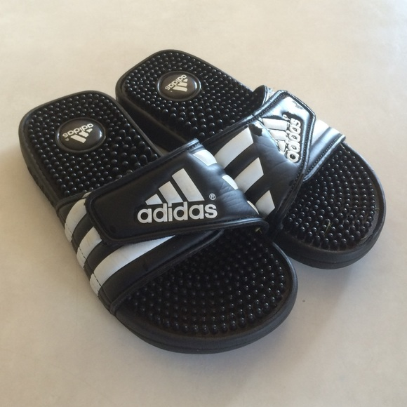 4a4d3c6348739 Adidas Shoes - Adidas slides youth 2