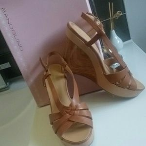 NEW! 🆕Bandolino wedge sandals sz 7