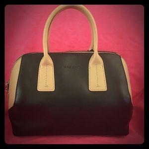 Charles Jourdan Handbags - 🎊SALE🎊    Charles Jourdan Dacey Bag🖤