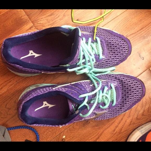 mizuno mens running shoes size 11 yeezy usado
