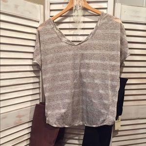 Lightweight brown/gray top