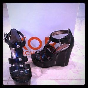 KORS Michael Kors Shoes - Kors Michael Kors platform sandals. Size 6