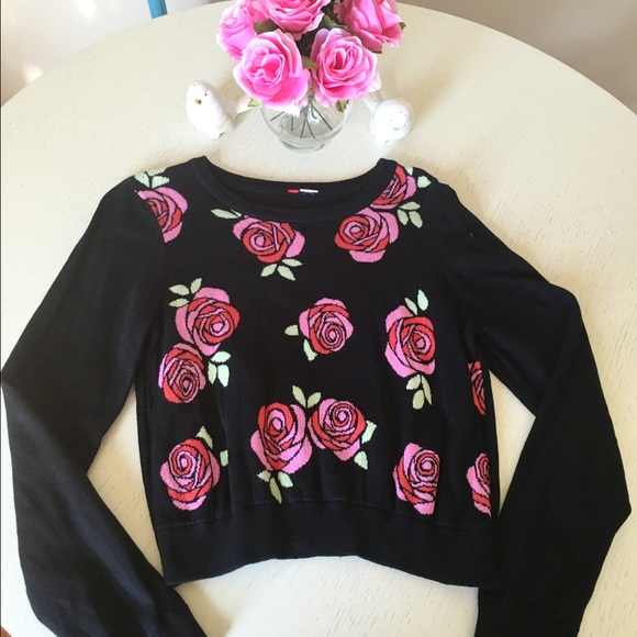 Tops Black Sweater With Pink And Red Roses Semicrop Poshmark