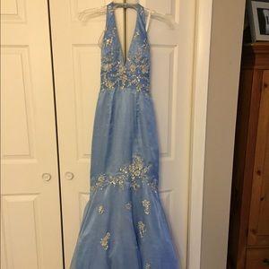 Dresses & Skirts - Gorgeous light blue mermaid prom dress. 🌺