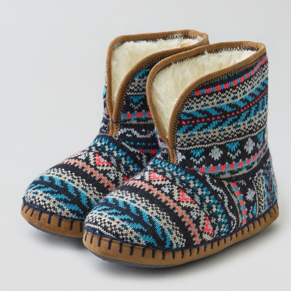 7e2764920f4 New American Eagle Cozy Sweater Bootie Slippers S NWT
