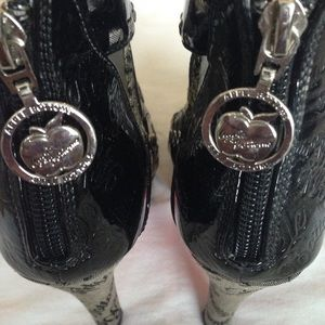 Apple Bottoms Shoes - Apple Bottom Gladiator High Heels Rare
