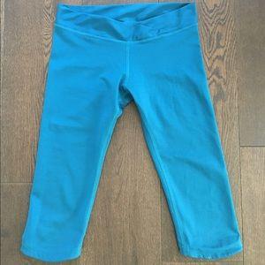 "Mika Yoga Wear Pants - Mika ""Vee Capri"" leggings"