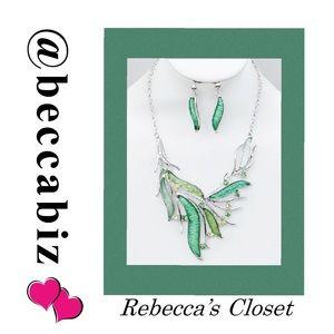Crystal elegance statement necklace